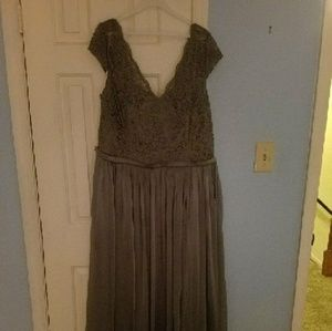 Dresses & Skirts - Bridesmaid dress size 26 (only worn once!)